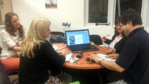El equipo de la revista Tekohá trabajando en la Edición de su segunda publicación